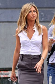 """Jennifer Aniston Photos - Actress Jennifer Aniston is in good spirits as she walks to the Midtown Manhattan set of her upcoming film """"The Bounty"""" in a business casual chic ensemble. - Jennifer Aniston gets chic Jennifer Aniston Style, Jennifer Aniston Pictures, Nancy Dow, Jeniffer Aniston, John Aniston, World Most Beautiful Woman, Work Wear, Celebs, My Style"""