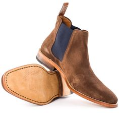 R. M. Williams Comfort Craftsman Mens Chelsea Boots in Chocolate