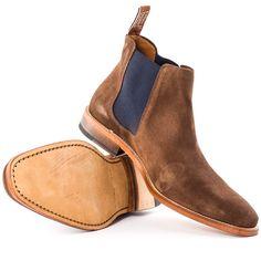 R. M. Williams Comfort Craftsman Mens Chelsea Boots in Chocolate