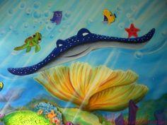 mar 28 Mural infantil con personajes de nemo.