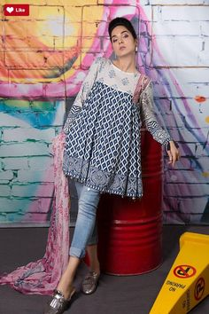 Kurti with jeans - Crazy Jeans with Frock for Upcoming Summer Fashion Look Designers Outfits Collection Pakistani Dresses Casual, Indian Dresses, Indian Outfits, Casual Dresses, Frock Fashion, Fashion Moda, Fashion Outfits, Fashion Sewing, Daily Fashion