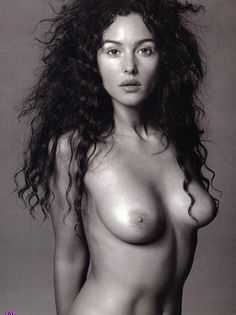 earl albums monica bellucci picture3126 monica bellucci topless - Monica Bellucci naked and nude