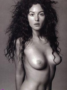 earl albums monica bellucci picture3126 monica bellucci topless - Monica Bellucci naked and nude