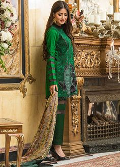 ": "" beauitful Luxury Festive Lawn is a must have! Pre-Booking has begun so…� Beautiful Pakistani Dresses, Pakistani Bridal Dresses, Pakistani Dress Design, Pakistani Outfits, Trendy Dresses, Simple Dresses, Elegant Dresses, Casual Dresses, Fashion Dresses"