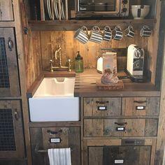 Cute cabin kitchen at Soho Farmhouse Soho Farmhouse Interiors, Cabin Interiors, Shop Interiors, Wooden Table And Chairs, Soho Style, Cabin Kitchens, Soho House, Country Kitchen, Wine Country