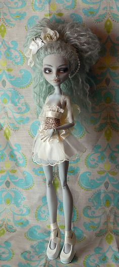 Monster High Customs by + Kayke +