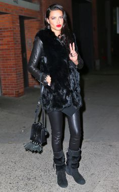 Beauty Adriana Lima was fabulously spotted in New York City draped in an all black ensemble.