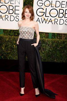 Emma Stone es el emblema del estilo en esta monoprenda que destila clase y glamour por donde se la mire.