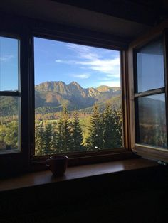 25 Ideas bedroom window view beautiful for 2019 Nature Aesthetic, Travel Aesthetic, Aesthetic Bedroom, Beautiful World, Beautiful Places, Places To Travel, Places To Go, Travel Destinations, Window View