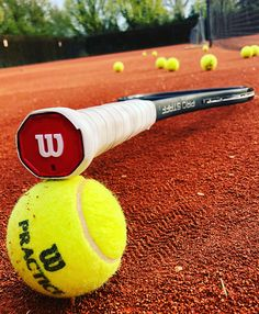 Mode Tennis, Sport Tennis, Play Tennis, Wilson Tennis Racquets, Best Tennis Racquet, Tennis Pictures, Softball Pictures, But Football, Tennis Lessons