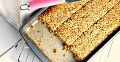 A Honey and Peanut Butter Flapjack recipe. Perfect for breakfasts on the go. Gourmet Recipes, Cooking Recipes, Healthy Recipes, Healthy Food, Peanut Butter Flapjacks, Flapjack Recipe, Dried Vegetables, Breakfast On The Go, Cream Pie