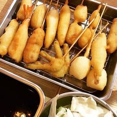 29 Cheap and Delicious Restaurants in Osaka Takoyaki, Delicious Restaurant, Pretzel Bites, Osaka, Sushi, Restaurants, Bread, Japan, Ethnic Recipes
