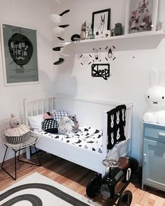A charming shared room for two little brothers http://petitandsmall.com/charming-shared-room-two-little-brothers/