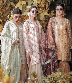 Dholki outfits inspo for brides side Pakistani Fashion Party Wear, Punjabi Fashion, Pakistani Couture, Indian Fashion, Fashion Wear, Asian Wedding Dress, Pakistani Wedding Dresses, Pakistani Outfits, Bridal Dresses
