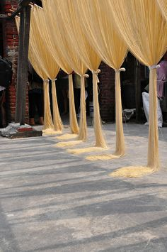 sun drying noodles #Taiwan  鹿港 手工麵線