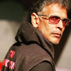 Milind Soman Wiki - Age, Height, Networth, Mother, Wife, GF [+pics]