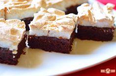 Prajitura cu bezea si gem | Prajiturici si altele Romanian Desserts, Sweet Cakes, Unique Recipes, Diy Food, Healthy Desserts, Cheesecakes, Sweet Treats, Goodies, Food And Drink