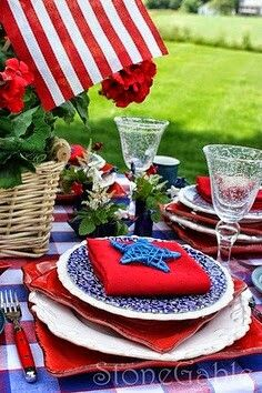 I love  this tablescape.