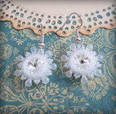 Snowflakes would ewinka. Beaded Earrings, Earrings Handmade, Crochet Earrings, Belly Button Rings, Snowflakes, Swarovski, Beads, Jewelry, Beading