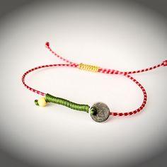 Μάρτης με φλουράκι Jewelry Clasps, Diy Jewelry, Baba Marta, Diy Clothing, Diy Projects To Try, Handmade Accessories, Macrame, Jewels, Earrings