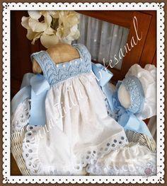 CANASTILLA ARTESANAL: Llega el verano y con el nuestro Conjunto Olivia Baby Summer Dresses, Dresses Kids Girl, Little Girl Outfits, Kids Outfits, Tricot Baby, Kids Frocks, Crochet Baby Clothes, Baby Gown, Baby Princess