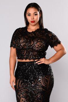 Stylish Plus-Size Fashion Ideas – Designer Fashion Tips Looks Plus Size, Curvy Plus Size, Plus Size Model, Plus Size Jeans, Plus Size Fashion For Women, Plus Size Womens Clothing, Clothes For Women, Plus Fashion, Size Clothing