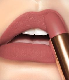 L'Absolu Rouge Drama Matte - Make up and Nails - Lipstick Lip Sence Colors, Lip Colours, Mac Lipstick Shades, Liquid Lipstick, Cute Lipstick, Velvet Lipstick, Lipstick Art, Brown Lipstick, Natural Lipstick