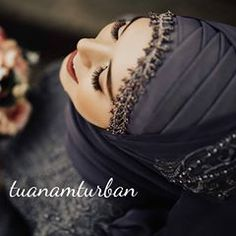 You will find different rumors about the history of the marriage dress; tesettür First Narration; Bridal Hijab, Hijab Bride, Red Wedding Dresses, Bridal Dresses, Fashion Wear, Hijab Fashion, Twiggy, Hijab Moda, Hijabi Wedding