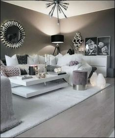 Interior Living Room Design Trends for 2019 - Interior Design Living Room Decor Cozy, Cute Room Decor, Living Room Goals, Formal Living Rooms, Home Living Room, Living Room Designs, Loving Room Decor, White Bedroom Decor, Silver Bedroom