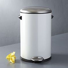 Round White 3-Gallon Step Trash Can with Stainless Steel Lid