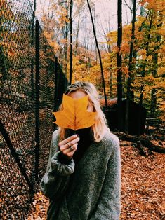 Super photography poses for teens photoshoot outfit Ideas Autumn Photography, Amazing Photography, Portrait Photography, Photography Ideas For Teens, Teen Photography Poses, Girl Inspiration, Autumn Inspiration, Couple Fotos, Teen Fotografie