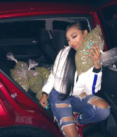 How I'm tryna b💨 Gangsta Girl, Fille Gangsta, Boujee Aesthetic, Bad Girl Aesthetic, Girl Smoking, Smoking Weed, Estilo Jenner, Thug Girl, Hood Girls
