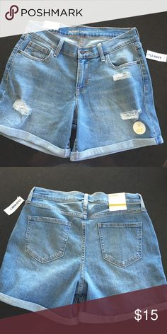 """Jean shorts Old Navy jean shorts, curvy profile, size 6.  Mid rise, light wash with distressed look and holes and frays.  Rolled seen cuffs, 5"""" inseam.  NWT Old Navy Shorts Jean Shorts"""