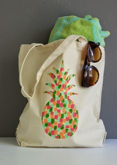 DIY to Paint a floral tote bag in acrylics. WIth Natalie Malan and ...