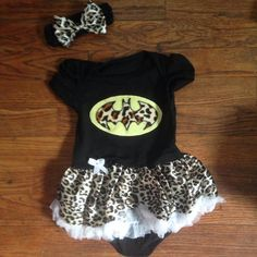 NEW ITEM!! Batman tutu onesie with matching headband, tutu onesie, baby girl onesie, baby onesie on Etsy, $25.00