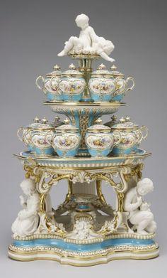 Minton. Dessert stand. 1851. Victoria pattern