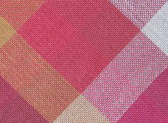 Optical blending in plain weave