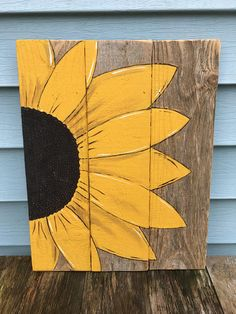 Nice sunflower would sign reclaimed fence boards. Please look over the pics as this is old wood with imperfections. This is a hand painted Sunflower, painted on reclaimed old fence board wood. Canvas Painting Projects, Pallet Painting, Painting On Wood, Canvas Art, Art Projects, Fence Board Crafts, Old Fence Boards, Old Fences, Old Wood
