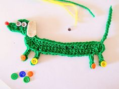 [Free Pattern] This Dachshund Bookmark Is Totally Awesome – Knitting Crochet Crochet Bookmarks, Crochet Books, Love Crochet, Crochet Gifts, Learn To Crochet, Crochet Motif, Crochet Flowers, Knit Crochet, Crochet Patterns