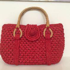 Sewing Bags Retro Retro Red Raffia Purse by NoTimeLikeYesterday on Etsy - Crochet Crafts, Knit Crochet, Crochet Handles, Macrame Bag, Handmade Handbags, Crochet Purses, Love Sewing, Knitted Bags, Sewing Techniques