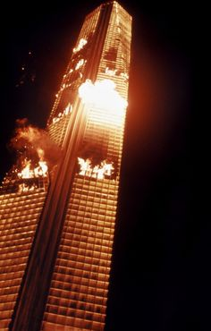 The trailer for the best disaster movie ever made! Hundreds of people are trapped into a towering inferno when the tallest building in the world begins to bu. The Best Films, Great Movies, Film Catastrophe, The Towering Inferno, The Poseidon Adventure, Disaster Movie, The Exorcist, Fantasy Movies, About Time Movie