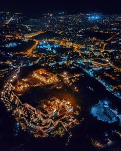 Athens at night turns into a magical place Beautiful Islands, Beautiful Places, Athens By Night, Places To Travel, Places To See, Dinner In The Sky, Paradise On Earth, Just Dream, Acropolis
