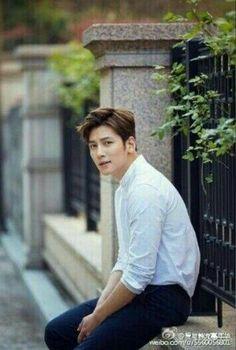 ❤❤ 지 창 욱 Ji Chang Wook ♡♡ why so handsome. Ji Chang Wook Smile, Ji Chan Wook, Asian Actors, Korean Actors, Saranghae, Empress Ki, Suspicious Partner, Dong Hae, Korean Star