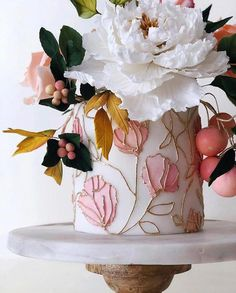 This beauty of a cake designed by has us feeling so absolutely inspired! Because who Happy Spring! This beauty of a cake designed by has us feeling so absolutely inspired! Pretty Cakes, Beautiful Cakes, Amazing Cakes, Fancy Cakes, Mini Cakes, Cupcake Cakes, Wedding Cake Designs, Wedding Cakes, Gateaux Cake
