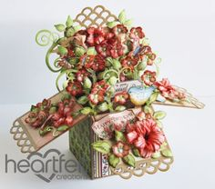 How did she get the dimension on these flowers?!  Heartfelt Creations | Happy Birthday Card In A Box