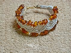 Macrame bracelet with amber  polish gold by Splatane on Etsy, €16.00
