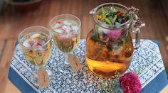Wenn es heiß ist gibt es nichts besseres als eine erfrischende Limonde mit Blüteneiswürfeln