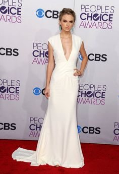 A grown up, classic & SEXY #TaylorSwift at the #PeoplesChoiceAwards tonight!  Taylor Swift at People's Choice Awards 2013 Pictures