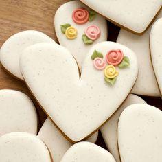 How to Make Rustic Speckled Heart Cookies - The Sweet Adventures of Sugar Belle Flower Sugar Cookies, Rose Cookies, Sugar Cookie Royal Icing, Fancy Cookies, Valentine Cookies, Iced Cookies, Cookies Et Biscuits, Easter Cookies, Birthday Cookies