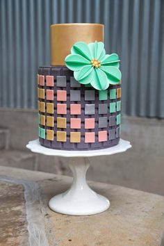 Make Modern Cakes in Craftsy's Class: Simply Modern Cake Design | geometric cake designs